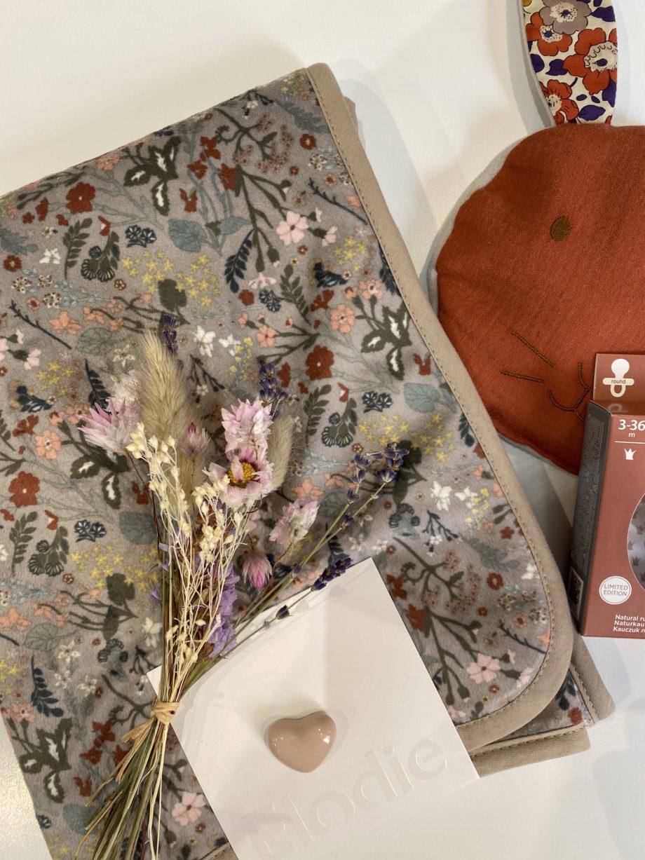 couverture vintage flower bebe