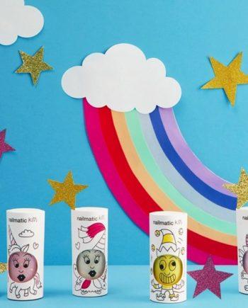 Barrettes, bracelets, maquillage pour les enfants