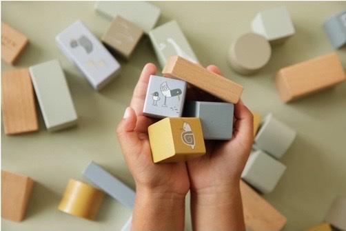 tonneau cubes en bois